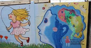 """Jóvenes del CRC de Coquimbo pintan mural inspirado en """"Mi cuerpo es un regalo"""""""